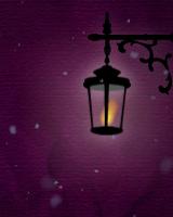 雪降る中をゆらゆら揺れるランプが照らし、雪が積もっていきます。ブログ画面全体に雪を降らせ、お好きなメッセージを表示できます。