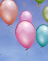 カラフルな風船がふわふわと舞い上がるブログパーツです。ブログ画面全体に風船を飛ばすこともできます。